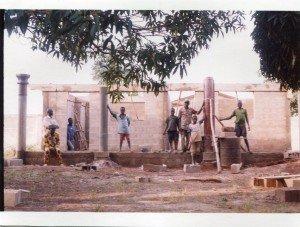construction du dispensaire de Kinta